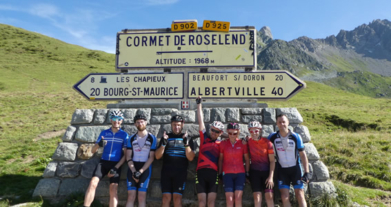 The team at the summit of the Cormet de Roselend