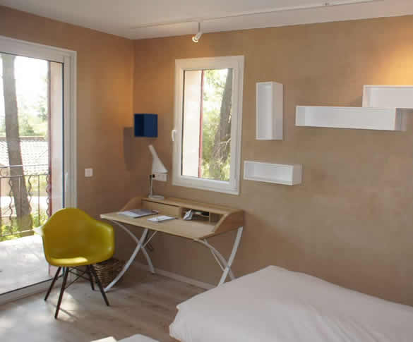 Bedoin hotel bedrooms